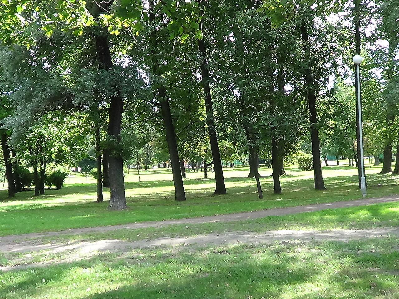 Вяземский сад. Автор фото: Peterburg23 (Wikimedia Commons)