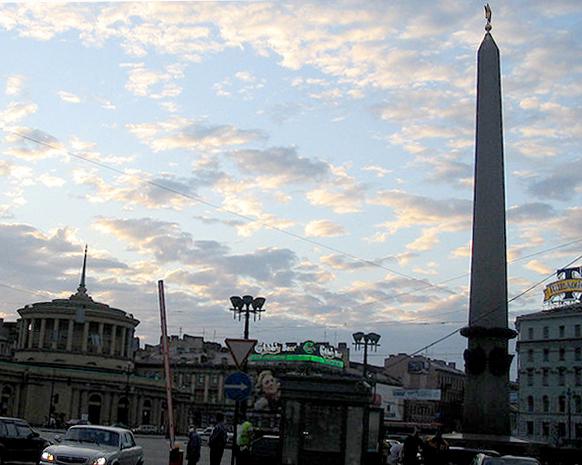 Санкт-Петербург, площадь Восстания, 28 июня 2006 года, время 23:00. Фото: InvictaHOG (English Wikipedia)