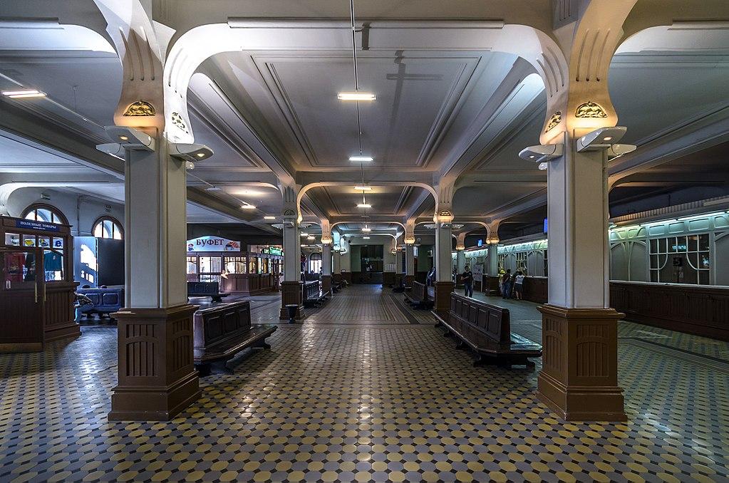 Зал ожидания Витебского вокзала (1 этаж). Фото: Florstein (WikiPhotoSpace)