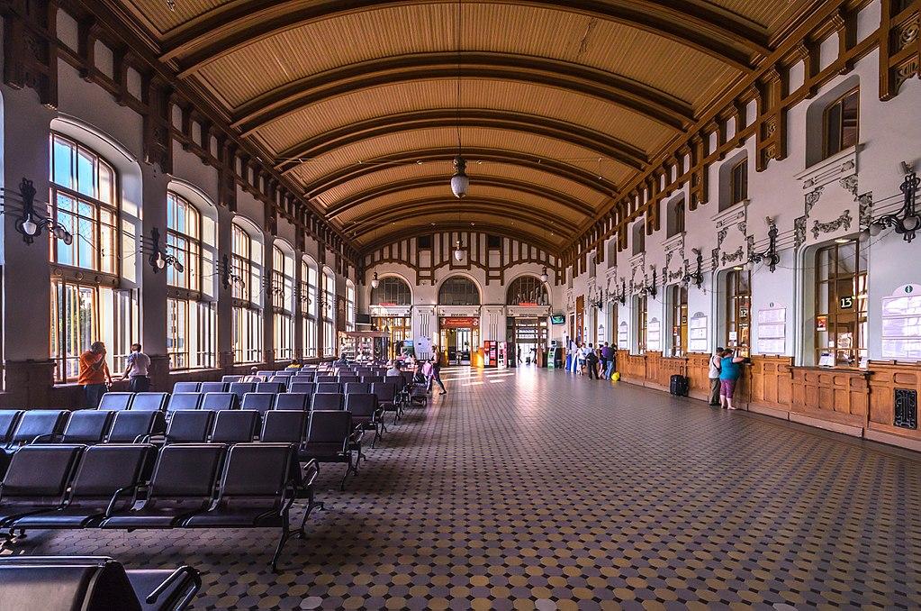 Зал ожидания Витебского вокзала (2 этаж). Фото: Florstein (WikiPhotoSpace)